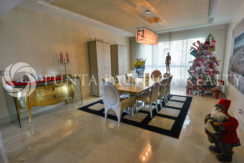 Trophy Property Collection: 4-Bedroom Designer Showcase in the Venetian for Sale