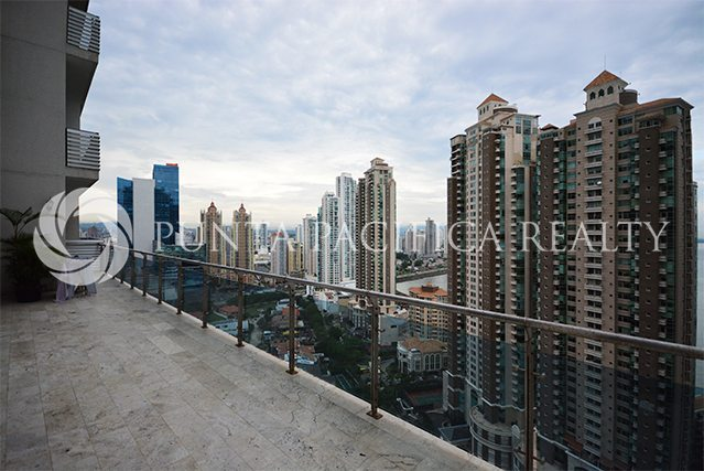 Live in this Spacious 4 Bedroom Apartment in Pacific Point with Amazing Views