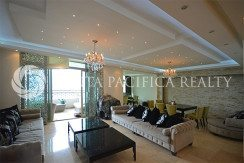Elegant and Spacious Condo with 4 bedrooms in Pacific Point