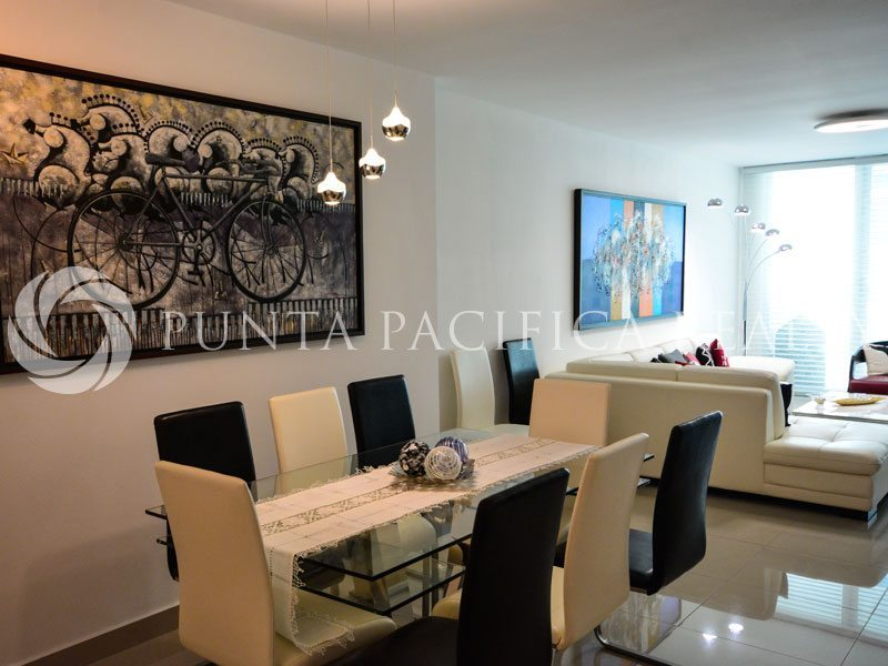 Chic Apartment in Av. Balboa Belle View Tower *Sale*