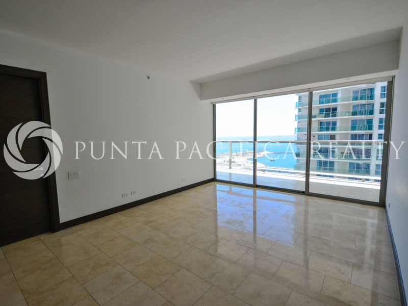 2-Bedroom, Unfurnished Apartment for Rent or Sale at Trump Ocean Club