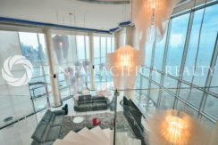 For SALE & RENT | Unobstructed Panama Bay-Views | Private Pool | 3-Bedroom Penthouse in Yacht Club