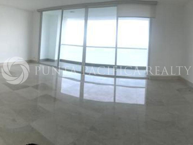 For Sale: Large Layout | Ocean View | 3-Bedroom + Den Apartment In Acqua
